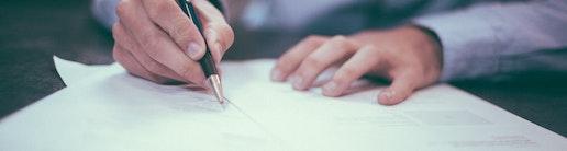Brief als Symbolbild fuer Konkurrentenklage