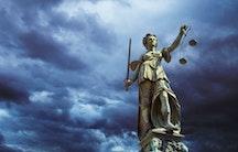 Gerechtigkeit Symbolbild Anerkennung Habilitation Umhabilitation Aequivalenzabkommen