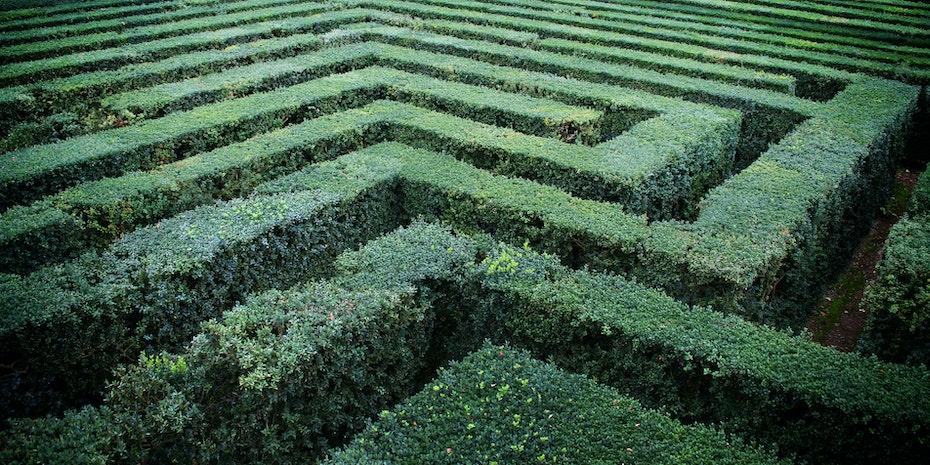 Labyrinth Symbolbild Anforderungen Dissertation