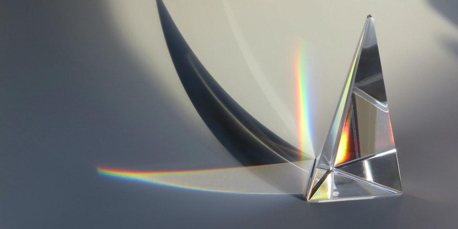 Prisma Symbolbild Gehalt Physiker