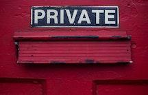 Privat Schild private Hochschulen