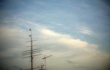 Schiffbaukran als Symbolbild fuer akademischer Rat