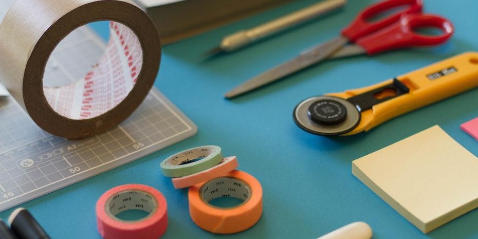 Werkzeug Symbolbild Akademiker Lebenslauf