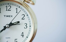 Zeit als Symbolbild für Vetretungsprofessur